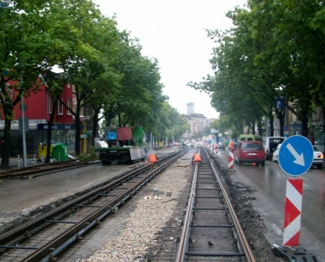 """Reconstruction of railway track and traffic ways on """"Hristo Botev"""" Blvd. section between """"Maria Luiza"""" bld. and """"Slivnitsa"""" Blvd."""