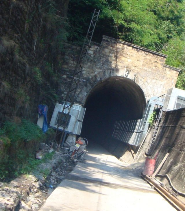 """""""Main repair of Tunnel № 3, of third main rail line. Subproject: Catenary - Dismantling and assembly"""""""
